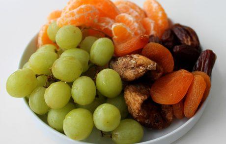 תובנות חדשות על פירות יבשים וטריים ומה ביניהם
