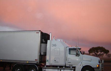 משאיות למכירה – האם עדיף לנו לקנות משאיות או לשכור משאיות